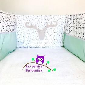 Tour de lit cerf